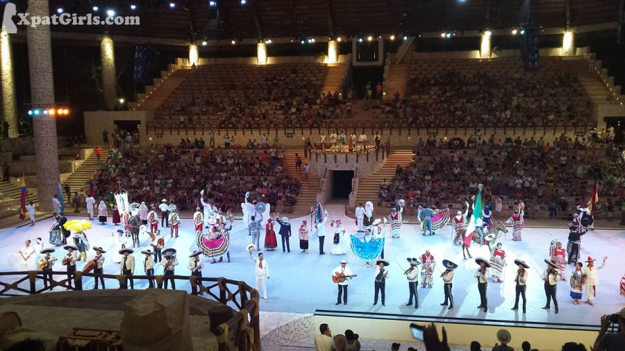 Mexican folk costumes at Xcaret Show