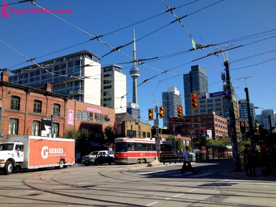 Toronto's downtown with the CN tower standing proudly in the background