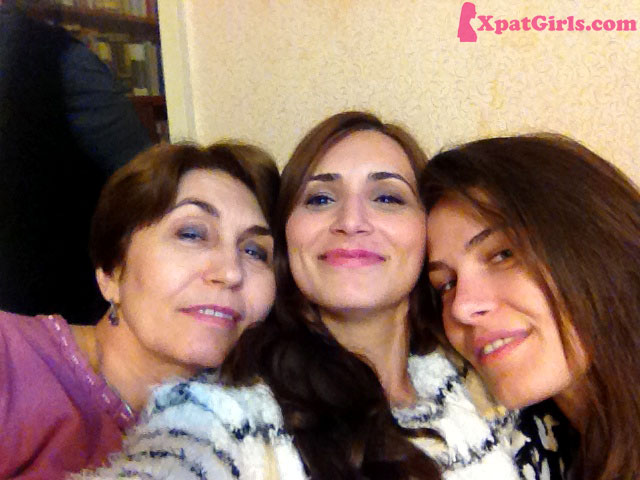 Having a good old seflie with my sister & with my mom